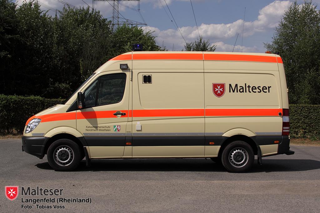 Malteser In Langenfeld Rhld Notfall Krankenwagen 2
